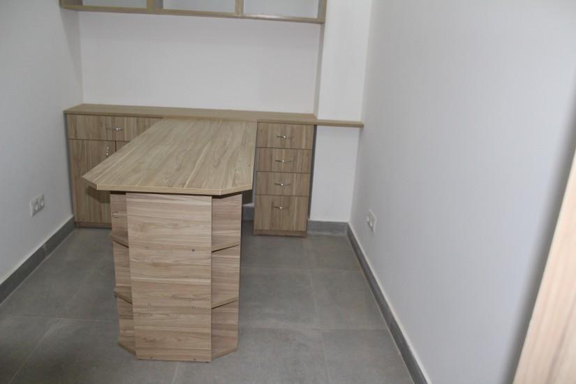 Офісні меблі. фото 7