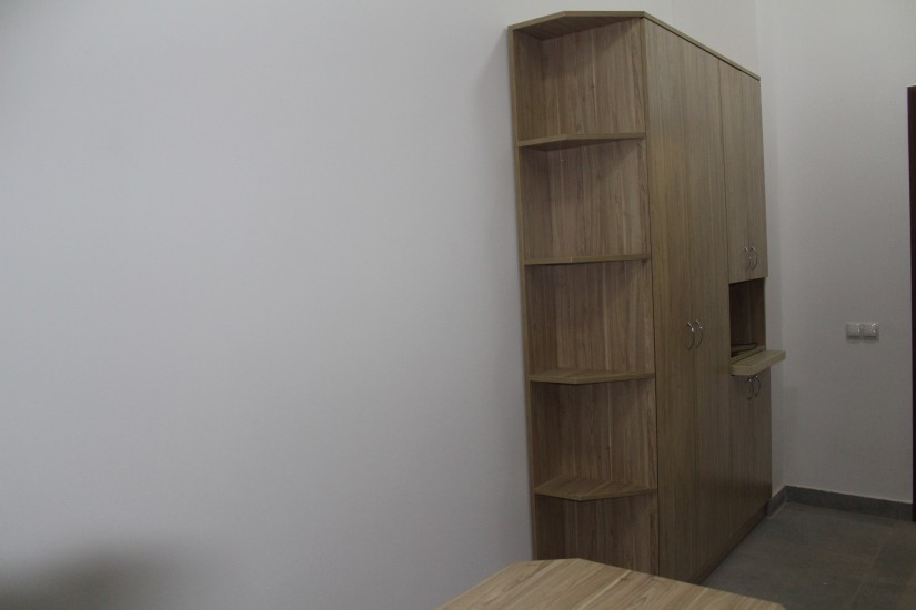 Офісні меблі. фото 10